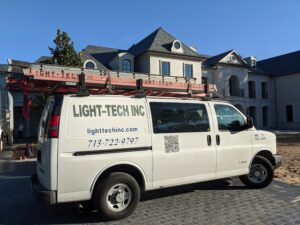Light-Tech Inc. van